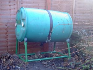 Rotary composter for kitchen waste